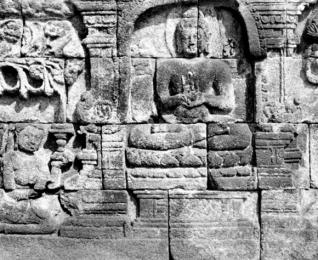 மணிமேகலை தமிழ்க் காப்பியம் மட்டுமல்ல அது பவுத்த காப்பியமும் கூட