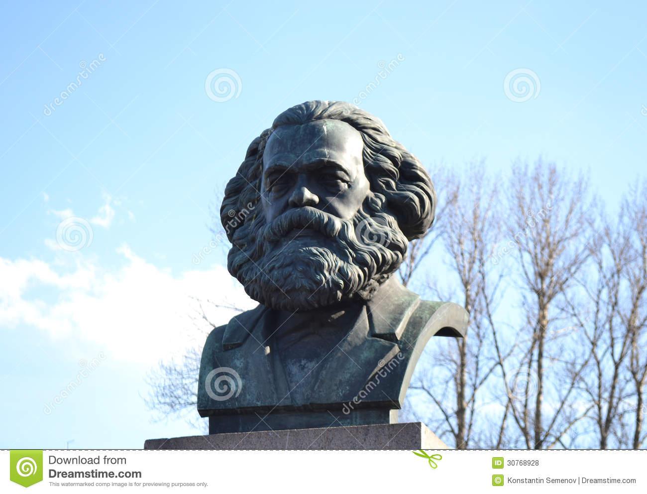 statue-karl-marx-st-petersburg-russia-30768928