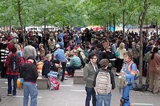 325px-Occupy_Wall_Street_Crowd_Size_2011_Shankbone